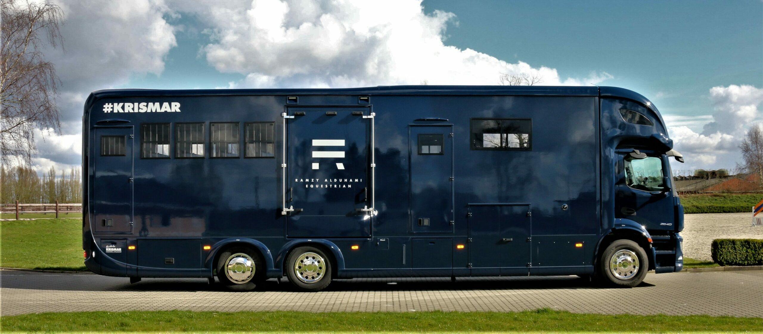 Krismar paardenvrachtwagen horsetruck blauwe kleur